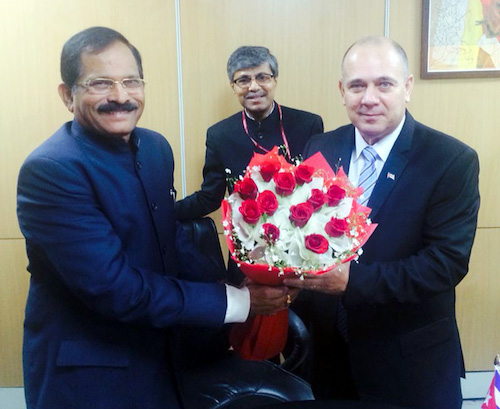 The Minister of Public Health, Cuba, Dr. Roberto Morales Ojeda meeting the Minister of State for AYUSH (Independent Charge), Shri Shripad Yesso Naik, in New Delhi on December 06, 2017. The Secretary, Ministry of AYUSH, Shri Vaidya Rajesh Kotecha is also seen.